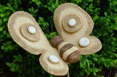 www.hlinenka.blogspot Nice Ideas, Pottery, Christmas Ornaments, Holiday Decor, Vegetable Gardening, Gardens, Flowers, Butterflies, Figurines