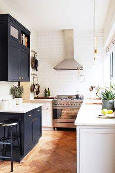 Black and white kitchen #kitchendesign