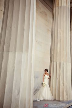 Jennifer Childress Photography | Wedding | Atrium at the Curtis Center | Philadelphia, PA | Loews Hotel | Cescaphe Events Group | Beautiful Blooms | Cheekadee | Bride www.jennchildress.com