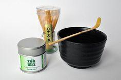 Matcha Komplett-Set Black mit Bio Matcha Hikari von Aiya | Bio | Grüner Tee | TEE | www.tee-kontor-kiel.de