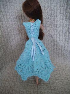tuto gratuit barbie: robe tricot dentelle avec bustier ajusté - Chez Laramicelle