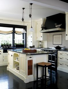Dalia Kitchen Design via New England Home Magazine