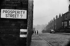 Marc Riboud, Little Britain, Great Britain, Taking Pictures, Old Pictures, Funny Pictures, Leeds England, Visual Aesthetics, Moving To Paris