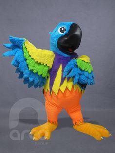 Botargas de Animales: AVES. Guacamaya ¡Conoce más modelos de botargas de animales aquí!: http://www.grupoarco.com.mx/venta-de-botargas/botargas-de-animales-en-mexico/