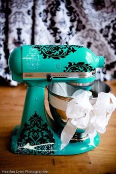 teal kitchenaid mixer with damask. perfection.