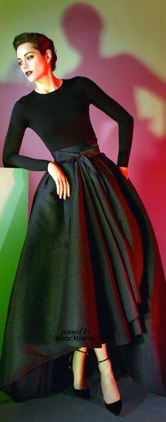 Marion Cotillard-Dior                                                                                                                                                                                 More