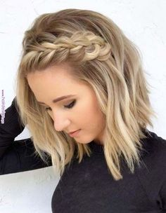 wedding hairstyles medium length Medium Length Hairstyles With Side Braid Love medium layered haircuts Lots of ideas for thin and thin hair, styles for straight and curly hair texture, trending hairstyles with bangs and many inspo cuts are here! Short Blonde Haircuts, Medium Layered Haircuts, Thin Hair Haircuts, Bob Haircuts, Bob Hairstyles, Short Blonde Curly Hair, Blonde Braids, Side Braid Hairstyles, Curly Short
