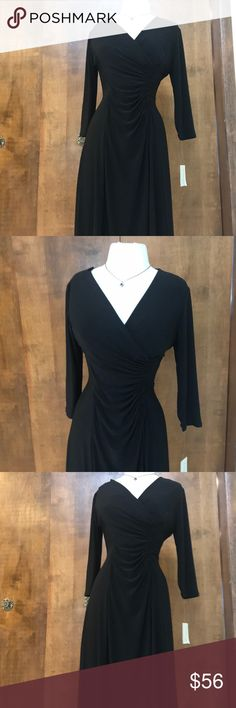 NWT EVAN PICONE BLACK RUCHED SEXY DRESS SIMPLICITY IS ELEGANCE . THIS BLACK DRESS NWT HAS EVERYTHING. LOVE THE RUCHED SIDE WAIST THAT SLIMS ALL FIGURES AND THE DEEP V NECKLINE. MY FAVORITE NECKLINE . GREAT DRESS TO WEAR TO WORK AND THEN HEAD OUT FOR AN EVENING EVENT. Evan Picone Dresses Midi