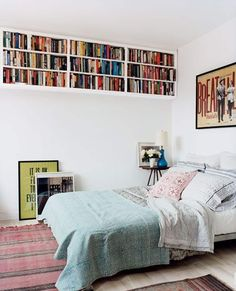 Some interesting small bedroom storage solutions just for you. Use these small bedroom storage ideas to store your stuff. Interior, Home, Home Bedroom, Small Bedroom Decor, Bedroom Storage, Bedroom Design, House Interior, Bedroom Inspirations, New Room
