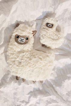 Shop Huggable Alpaca Heating Pad at Urban Outfitters today. Llama Arts, Llama Llama, Llama Decor, Urban Outfitters Home, Diy Bebe, Cute Stuffed Animals, Floor Cushions, Decorative Cushions, Novelty Gifts