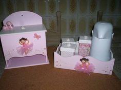 Kit higiene com garrafa termica ,molhadeira e fraldario, peças podem ser vendidas separadamente
