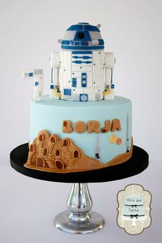 Cake Wrecks - Sunday Sweets: Fraggles and Dragons and Groot, Oh My! Star Wars Birthday Cake, Star Wars Cake, Just Cakes, Cakes And More, R2d2 Cake, Cake Wrecks, Crazy Cakes, Cakes For Boys, Boy Cakes