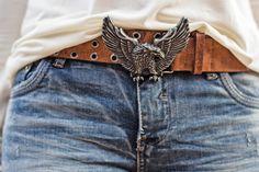 Nossa eu vou ser suspeita para falar desse look que amooo o estilo e se deixasse sairia sempre assim!rs Essa calça jeans skinny dobradinha com seus desfiados veste perfeitaaaa e é aquelas co…