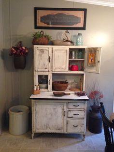 Primitive flour cabinet ❤️