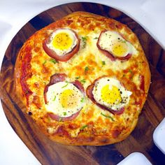 Inspired By eRecipeCards: Bacon and Egg Pizza (Uova e pancetta Pizza)