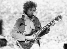 Bob Dylan performs at Kezar Stadium in S.F. in 1975.  photo/jta-michael ochs archives-getty images-alvan meyerowitz