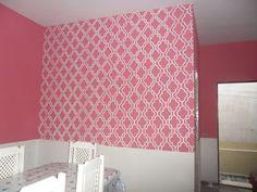 pintar parede com stencil efeito papel de parede