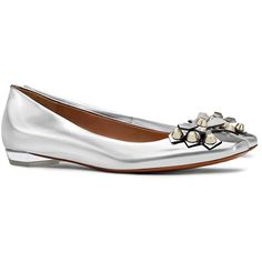 Tory Burch Aurora Metallic Flats ($325) ❤ liked on Polyvore featuring shoes, flats, silver, flat pumps, polish shoes, metallic flats, leather flat shoes and polish leather shoes