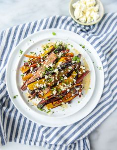 Pomegranate Roasted Carrots with Feta and Brown Butter. - How Sweet Eats Carrot Bread Recipe, Carrot Recipes, Healthy Recipes, Healthy Meals, Healthy Food, Vegetarian Side Dishes, Healthy Side Dishes, Side Dish Recipes, Vegetarian Cookbook