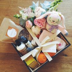 ValleybrinkRoad - love seeing our lotion looking so sweet! Baby Gift Box, Baby Box, Cute Gifts, Diy Gifts, Handmade Gifts, Coffee Gift Baskets, Gift Wraping, Gourmet Gifts, Gift Hampers