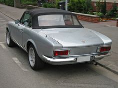 As with many cars of the 60's and 70's, and especially Italian makes, Fiat 124 Spiders were prone to massive corrosion issues within very short periods, unless preventive measures were implemented upon purchase.