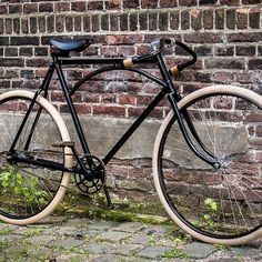 #bespoke #bicycle #bikeporn #coasterbrake #design #fixed #fixie #fashion #fixedgear #gropes #handmade #luxury #menstyle #moustache #pathracer #retro #retrofiets #rosfranktimmers #rosfranktimmers #schwalbe #velo #vintage #truss #trussbar #trussframe #creamtires #antiquebicycle