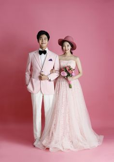 View photos in STJungwoo 2018 New Sample. Pre-Wedding photoshoot by ST Jungwoo, wedding photographer in Seoul, Korea. Pre Wedding Poses, Pre Wedding Photoshoot, Wedding Shoot, Wedding Couples, Wedding Venues, Wedding Album, Hair Wedding, Gold Wedding, Couples Beach Photography