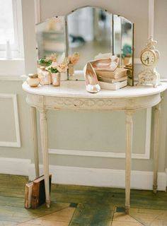 Vintage mirror & vanity table