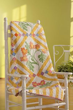 What a sunny quilt. It just makes me think happy.