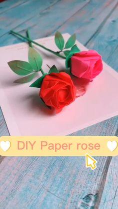 Paper Origami Flowers, Instruções Origami, Origami Rose, Paper Flowers Craft, Paper Crafts Origami, Diy Paper, Diy Crafts Hacks, Diy Crafts For Gifts, Pop Up Flower Cards