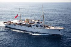 Charter Shemara the luxury Motor yacht built by Vosper Thornycroft in Available for 12 guests in the Summer & Winter regions. Farmhouse Side Table, Farmhouse Kitchen Decor, Farmhouse Design, Classic Yachts, Classic Motors, Buying A New Home, Diy Bathroom Remodel, Home Upgrades, Yacht Design