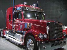 Freightliner Coronado, probably my favorite truck!