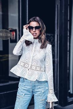 Swans Style is the top online fashion store for women. Shop sexy club dresses, jeans, shoes, bodysuits, skirts and more. Style Casual, Casual Outfits, Fashion Outfits, Blouse Styles, Blouse Designs, Top Chic, Fancy Tops, Stylish Tops, Blouses For Women