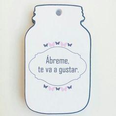 Divertidas etiquetas de Lucía Arsan con forma de bote.