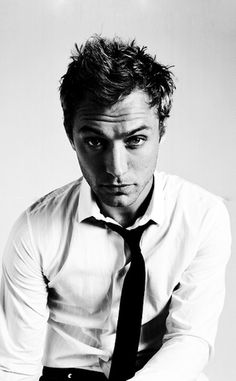 Jude Law - cute picture of him, like