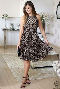 Como combinar acessórios com vestidos estampados? - Vestido do dia Animal Print Outfits, Animal Print Fashion, Simple Dresses, Dresses For Work, Pretty Dresses, Outfit Vestidos, Classy Work Outfits, Look Fashion, Fashion Design