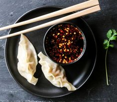 GYOZA MED SVINEKJØTT & DIPSAUS | TRINES MATBLOGG Asian Recipes, Kitchen, Food, Cooking, Kitchens, Essen, Meals, Cuisine, Yemek