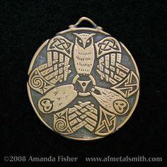 Bronze Triple Owl Triskele Pendant A Celtic Design. Iron Age, Vikings, Tattoos Skull, Bird Tattoos, Animal Tattoos, Sleeve Tattoos, Celtic Art, Celtic Tribal, Irish Celtic