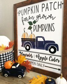Pumpkin Patch Sign Free Printable - Sprinkled with Paper Print your pumpkin patch free printable sign. The perfect pumpkin patch sign to add to your farmehouse decor the fall seaon. Free Poster Printables, Printable Designs, Fall Wood Signs, Fall Signs, Pumpkin Farm, Free Stencils, Painted Pumpkins, Craft Night, Fall Crafts