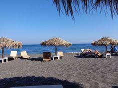 Perissa's beach