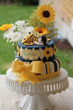 Little baby bee cake...sweet!