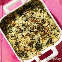 Cacio e Pepe Creamed Spinach - Rachael Ray Every Day Side Dish Recipes, Meat Recipes, Vegetarian Recipes, Cooking Recipes, Side Dishes, Recipies, Vegetable Sides, Vegetable Recipes, Cream Of Potato Soup