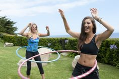 Hoopnotica Hula Hooping Workout looks fun ! Weight Loss For Women, Easy Weight Loss, Fitness Goals, Health Fitness, Hula Hoop Workout, Toned Tummy, Get Toned, Skinny Mom, Running Workouts