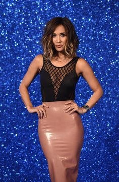 Myleene Klass looks smoking hot in latex pencil skirt for the Zoolander 2 premiere. The latex skirt and Christian Louboutin heels look sexy and sophisticated. More Latex!Daisy Lowe in latex pencil skirtJennifer Metcalfe in latex dress on the red carpetKim Kardashian in pink and black latexMonika Masina in Latex SkirtSophia Thomalla in latex dress for …