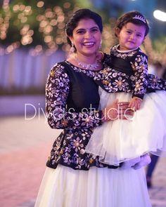 Baby Frock Pattern, Frock Patterns, Kids Dress Patterns, Mom Daughter Matching Dresses, Mom And Baby Dresses, Dresses Kids Girl, Long Gown Dress, Lehnga Dress, Lehenga