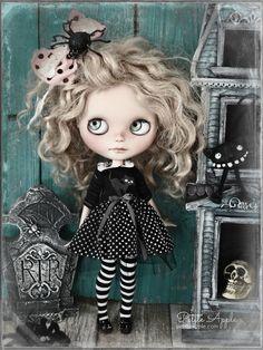 Halloween Blythe by Petite Apple petiteapple.com