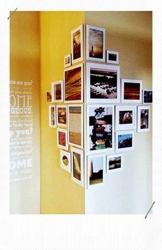 Korridor-Set-Deko-Korridor-gelbe-Wand-mit-Fotos-und-Spruche Source by anja_klasen Diy Home Decor, Room Decor, Wall Decor, Display Family Photos, Diy Casa, Deco Originale, Interior Decorating, Interior Design, Interior Photo