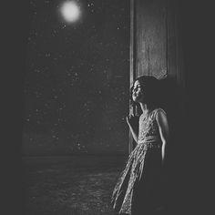 """Η νύχτα 🌙 είναι το άλλο μισό της ζωής• και μάλιστα το καλύτερο μισό."""" #JohannWolfgangGoethe 📚"""
