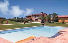 La Collinetta Pietrasanta LU Situated 28 km from Pisa and 24 km from Lucca, La Collinetta offers accommodation in Tonfano. This apartment provides an outdoor pool and free WiFi. Free private parking is available on site.