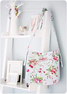 Handmade handbag a la Cath Kidston by Craft & Creativity, via Flickr